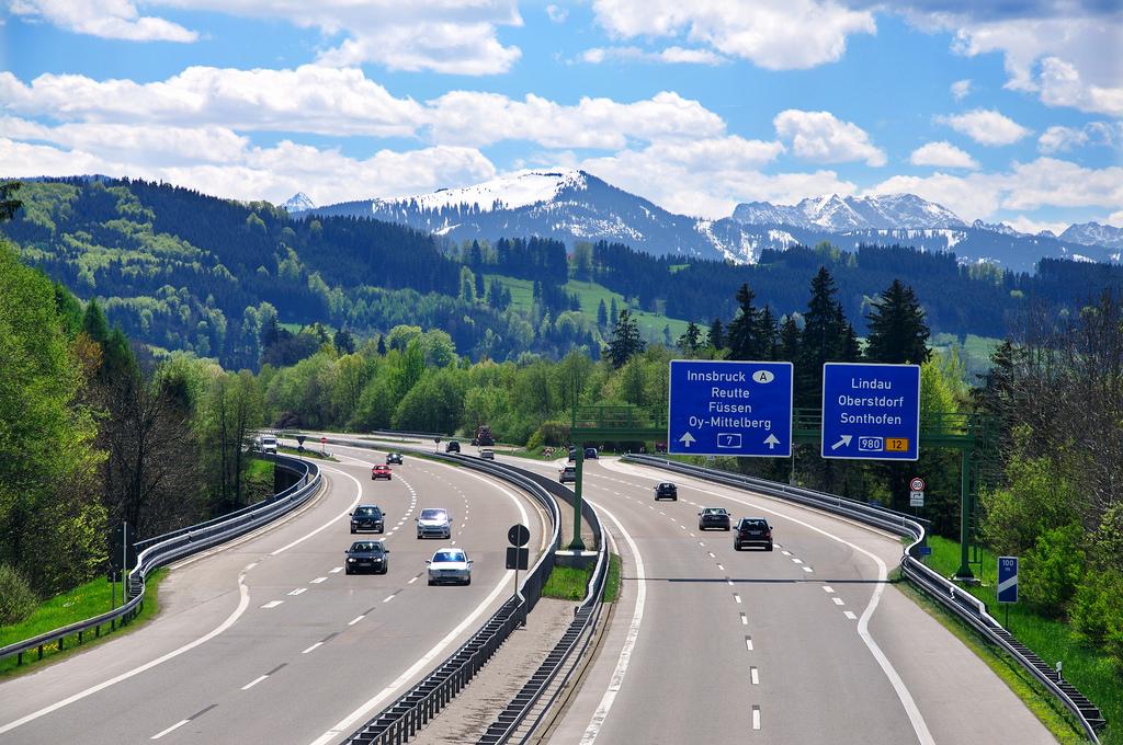 """Autobahn: """"Tài xế Đức là những tay lái chuyên nghiệp và nghiêm túc nhất thế giới"""""""