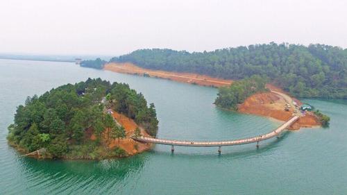 3 năm 'phá đá, đào sỏi' xây hồ Kẻ Gỗ Ho-ke-go-14_1494088988_VnEx_banner