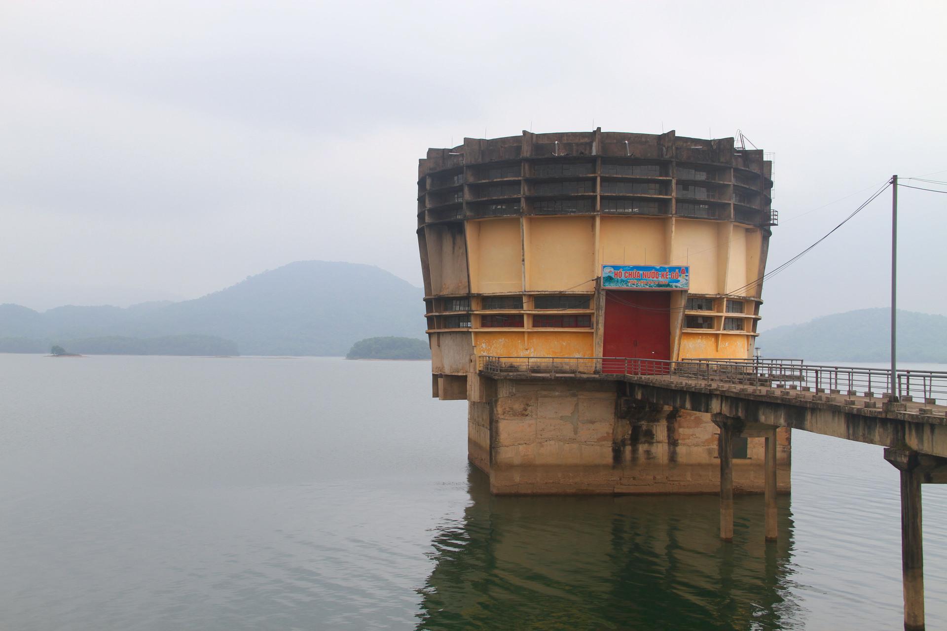 3 năm 'phá đá, đào sỏi' xây hồ Kẻ Gỗ Ho-ke-go-4_1494082330_VnEx
