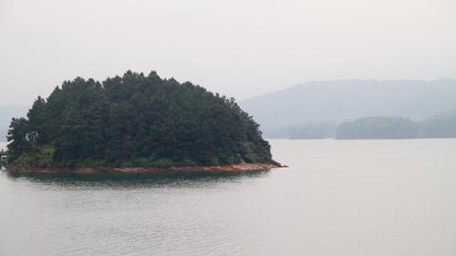 3 năm 'phá đá, đào sỏi' xây hồ Kẻ Gỗ Ho-ke-go-6_1494294300_VnEx_banner