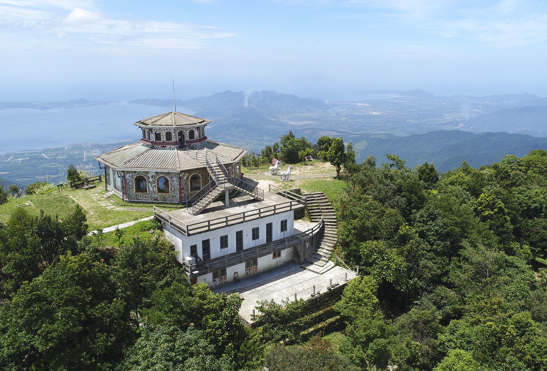 Kế hoạch 'đánh thức' 139 biệt thự hoang trên đỉnh Bạch Mã - VnExpress