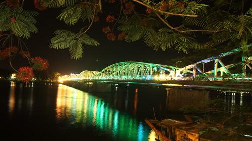 Cây cầu thế kỷ của xứ Huế DSC-0036_1508034011_VnEx_banner