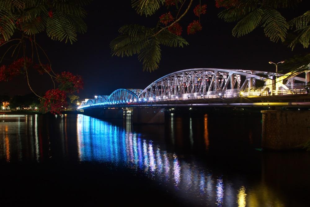Cây cầu thế kỷ của xứ Huế 8_1508484569_VnEx